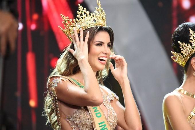 Ngắm tân hoa hậu Hoà bình Thế giới 2017 - ảnh 11