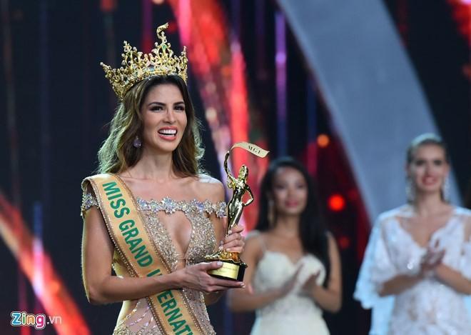 Ngắm tân hoa hậu Hoà bình Thế giới 2017 - ảnh 12