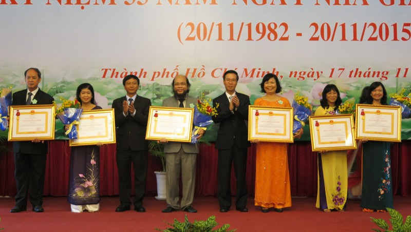TP.HCM: Vinh danh 62 cá nhân và tập thể xuất sắc ngành giáo dục - ảnh 1