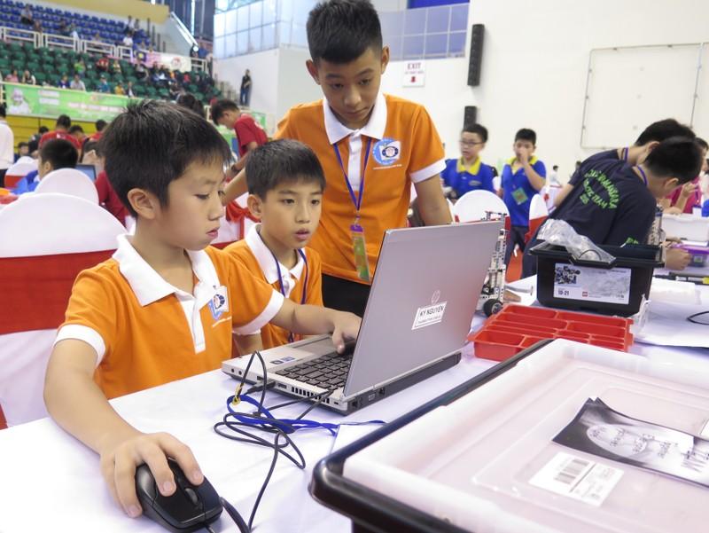 Ngày hội Robocon Quốc tế 2015 quy tụ 121 đội thi - ảnh 7
