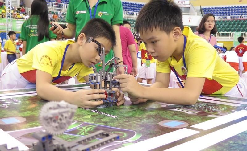 Ngày hội Robocon Quốc tế 2015 quy tụ 121 đội thi - ảnh 1