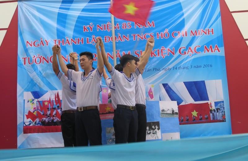 Xúc động học sinh TP.HCM tưởng niệm sự kiện đảo Gạc Ma - ảnh 4