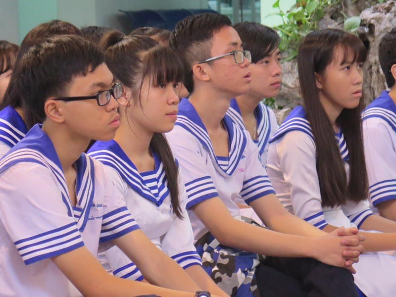 Xúc động học sinh TP.HCM tưởng niệm sự kiện đảo Gạc Ma - ảnh 7