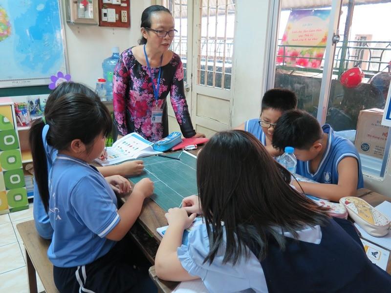 TP.HCM chỉ mới tuyển được 2/3 giáo viên tiểu học cho năm học mới - ảnh 1