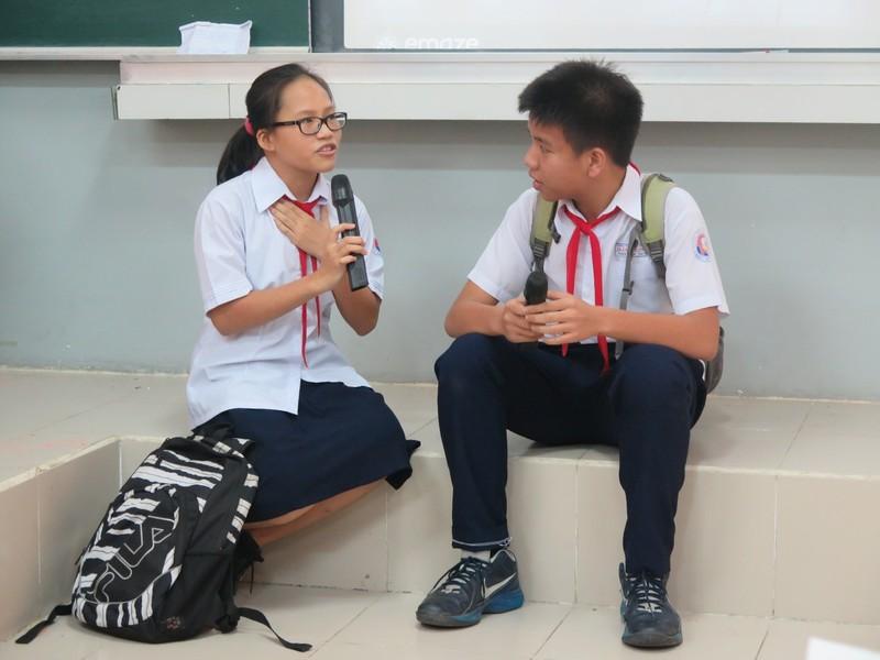Phụ huynh bất ngờ bị học sinh phỏng vấn trong giờ học - ảnh 6