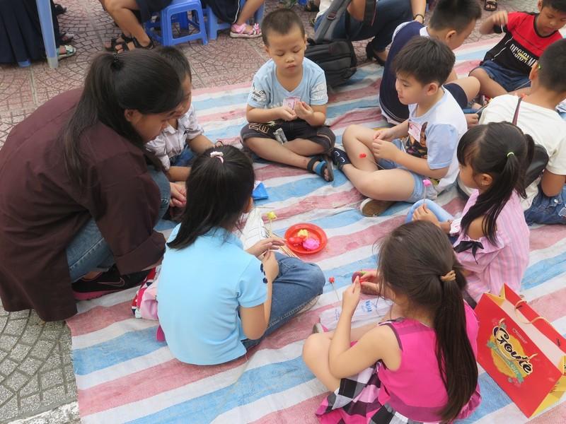 Trò tiểu học thích thú với ngày hội trò chơi dân gian - ảnh 5