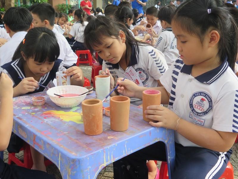 Trò tiểu học thích thú với ngày hội trò chơi dân gian - ảnh 14