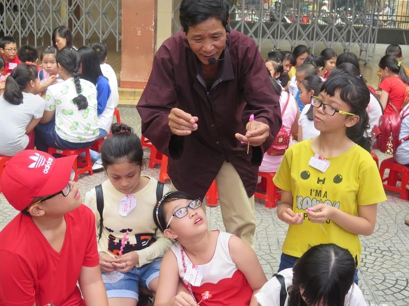 Trò tiểu học thích thú với ngày hội trò chơi dân gian - ảnh 3