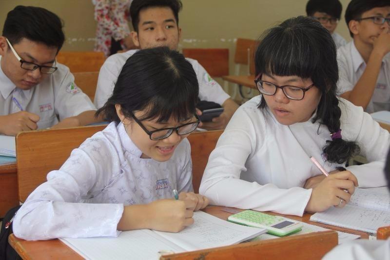 Học sinh đang tăng tốc ôn tập chuẩn bị cho kỳ thi THPT quốc gia.