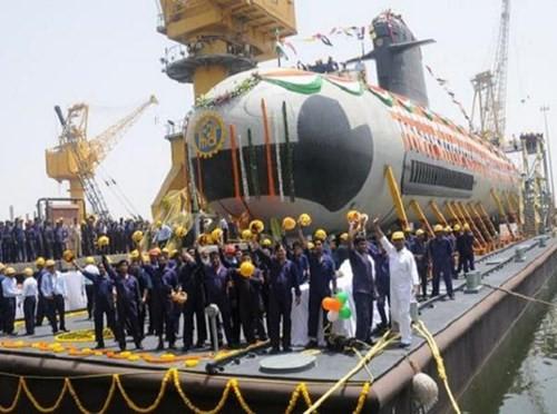 Ấn Độ hoàn thành đóng chiếc tàu ngầm Scorpene đầu tiên - ảnh 1