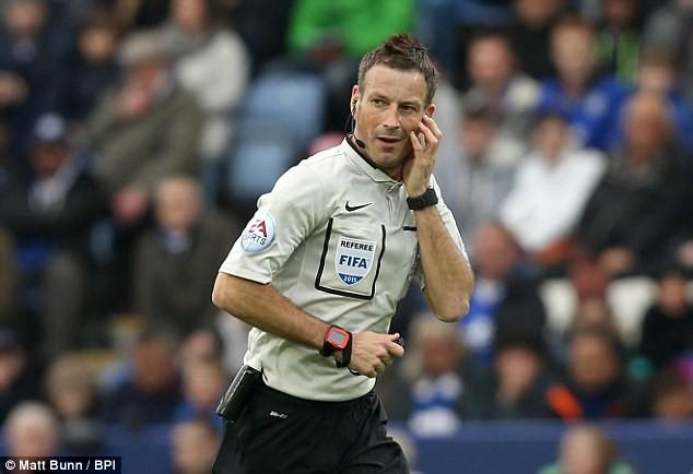 Trọng tài bắt chính derby Manchester: Ác mộng của M.U! - ảnh 1