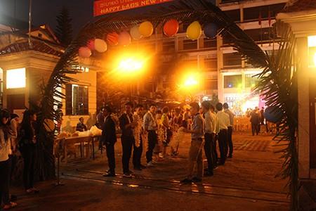 Sinh viên Lào rộn ràng đón tết Bunpimay trên đất Việt Nam - ảnh 1
