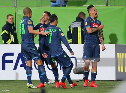 Wolfsburg 1-4 Napoli: Khuất phục bầy sói - ảnh 1