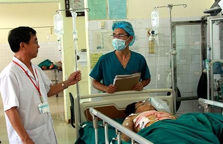 Cứu sống nạn nhân vỡ, dập cả 3 cơ quan chính tim, gan, phổi - ảnh 1