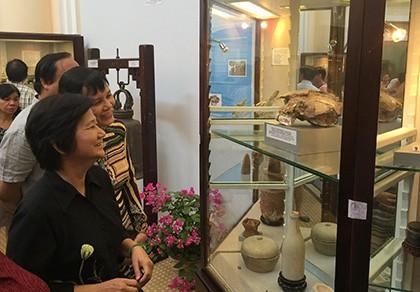 TP. HCM trưng bày  250 cổ vật - ảnh 1