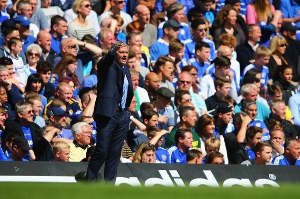 Chelsea vừa vô địch, Mourinho tức tốc vào bệnh viện thăm cha đột quỵ - ảnh 1
