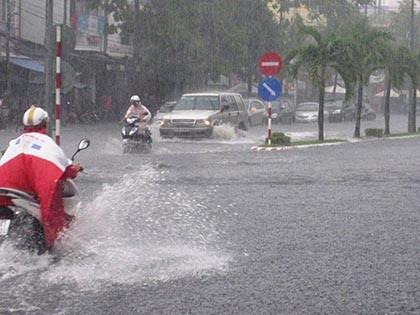 Mưa lớn, nhiều tuyến phố ở Cần Thơ ngập nặng - ảnh 3