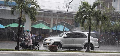 Mưa lớn, nhiều tuyến phố ở Cần Thơ ngập nặng - ảnh 5