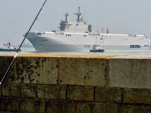 Pháp sẽ đánh đắm 2 tàu Mistral nếu không bàn giao cho Nga? - ảnh 1