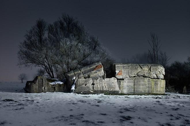 Hình ảnh boongke Đức quốc xã bỏ hoang 70 năm sau Thế chiến II - ảnh 10