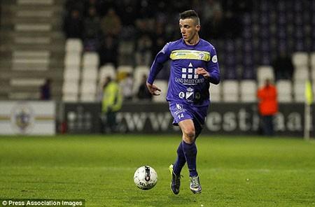 Thêm một cầu thủ Bỉ qua đời vì đột quỵ trên sân - ảnh 1