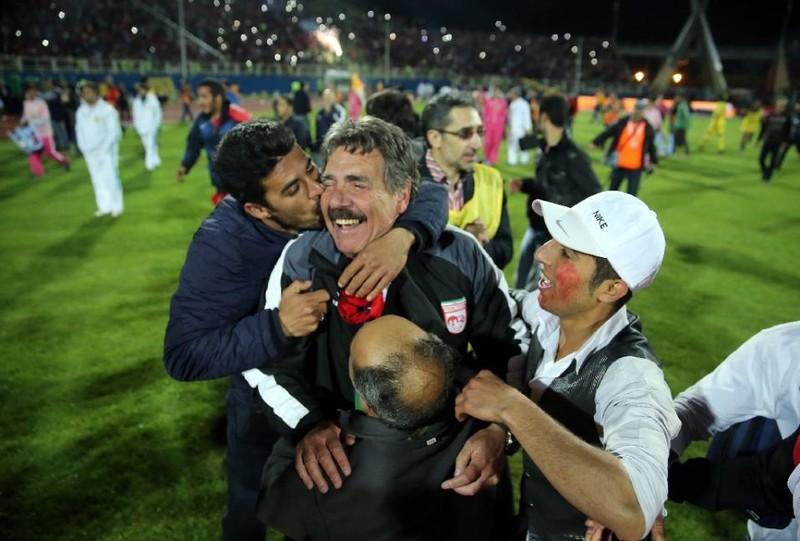 Chuyện bi hài của bóng đá Iran - ảnh 1
