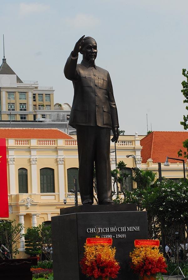 TP.HCM: Khánh thành tượng đài Chủ tịch Hồ Chí Minh  - ảnh 2