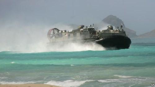 Mỹ phô diễn kỹ năng đổ bộ trước quan chức quân đội nước ngoài - ảnh 1