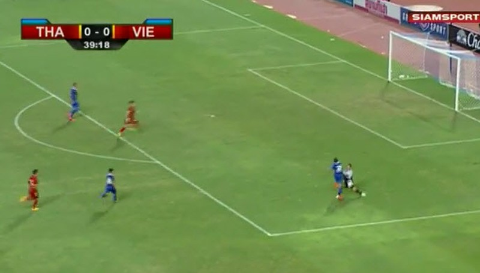 Thái Lan 1-0 Việt Nam: Siêu dự bị giải cứu Kiatisak - ảnh 17