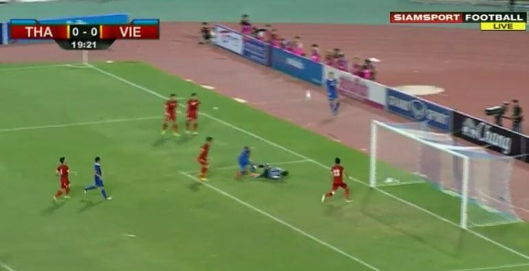 Thái Lan 1-0 Việt Nam: Siêu dự bị giải cứu Kiatisak - ảnh 20
