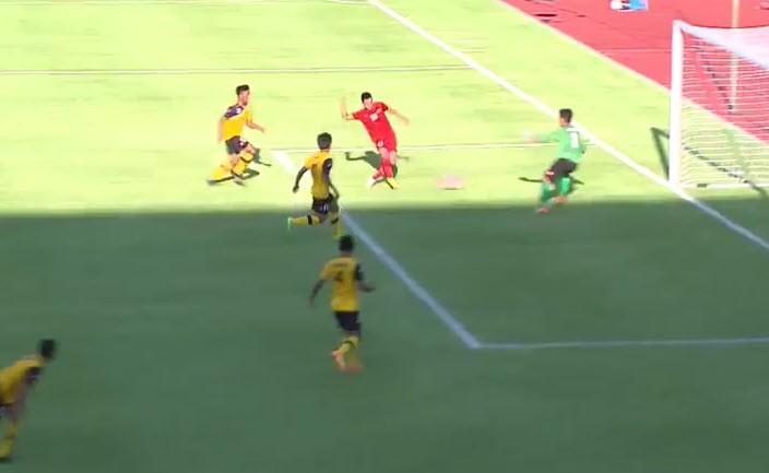 U23 Việt Nam 6-0 U23 Brunei: Hiệp 1 mờ nhạt, hiệp 2 bùng nổ - ảnh 3
