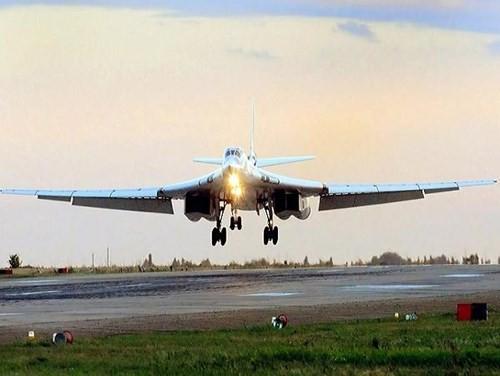 Không quân Nga sẽ tiếp nhận không dưới 50 máy bay ném bom Tu-160 - ảnh 1