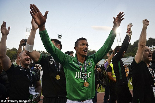 Cầu thủ M.U duy nhất đoạt Cúp mùa 2014/15 - ảnh 1