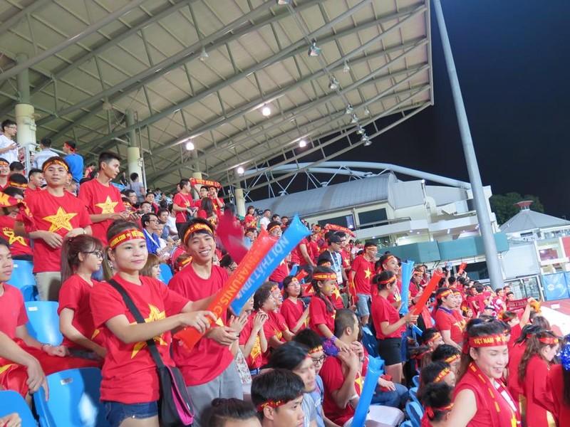 Rộn ràng Bishan trước trận 'tử chiến' U23 Việt Nam - U23 Malaysia - ảnh 9