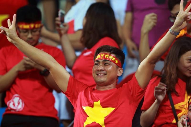 Vất vả vượt qua U23 Lào, U23 Việt Nam đòi lại ngôi đầu bảng - ảnh 18
