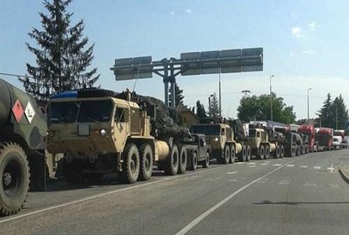 Đoàn xe quân sự bí mật xuất hiện trên biên giới Hungary-Ukraine - ảnh 2
