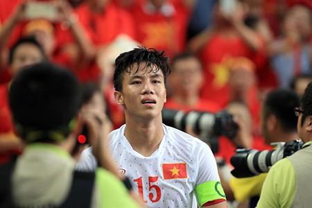 U23 Việt Nam thất bại cay đắng, nữ CĐV bật khóc nức nở - ảnh 10