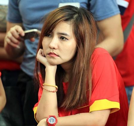 U23 Việt Nam thất bại cay đắng, nữ CĐV bật khóc nức nở - ảnh 13