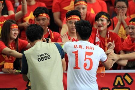 U23 Việt Nam thất bại cay đắng, nữ CĐV bật khóc nức nở - ảnh 12