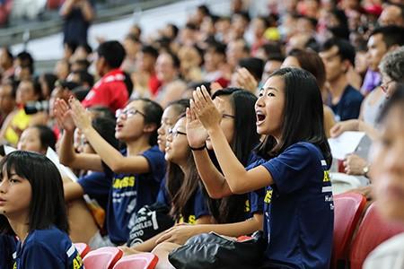 Tiếng vỗ tay trên sân vận động quốc gia Singapore - ảnh 1