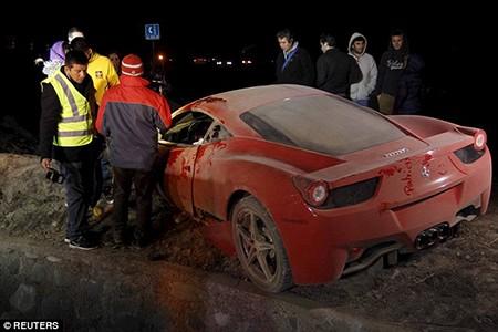 Lái 'siêu xe' gây tai nạn kinh hoàng, sao Juventus bị cảnh sát bắt - ảnh 4