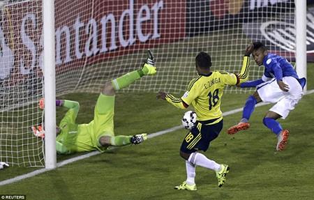 Neymar nhận thẻ đỏ, Brazil thua sốc trước Colombia - ảnh 2