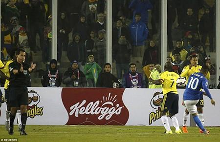 Neymar 'nổi điên', trận Brazil - Colombia kết thúc trong bạo lực - ảnh 1