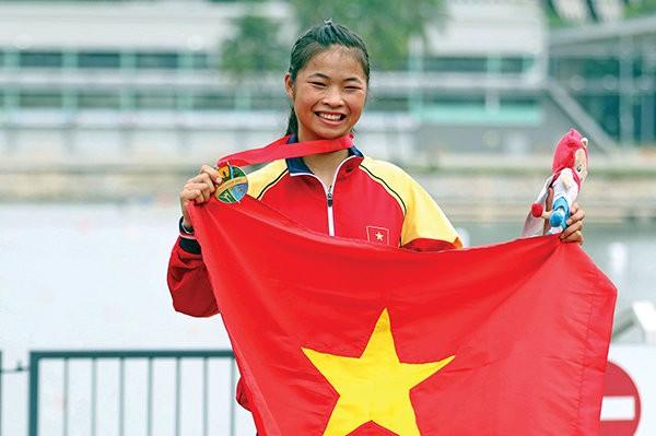 Trương Thị Phương đoạt HCV canoeing tại SEA Games 28 - Ảnh: NGUYÊN KHÔI
