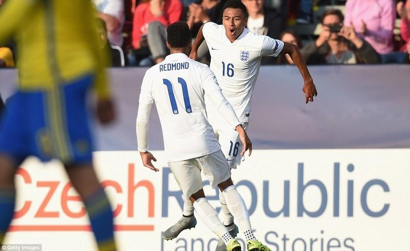 Sao trẻ M.U rực sáng, U21 Anh giành chiến thắng đầu tiên - ảnh 1
