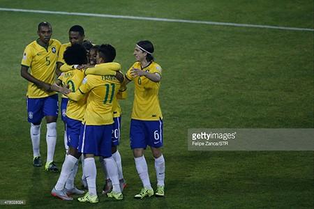 Brazil 2-1 Venezuela: Không Neymar, Brazil vẫn vào tứ kết với ngôi đầu - ảnh 4