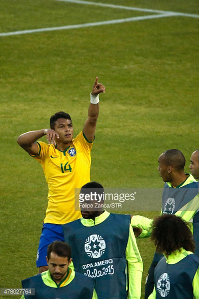 Brazil 2-1 Venezuela: Không Neymar, Brazil vẫn vào tứ kết với ngôi đầu - ảnh 2