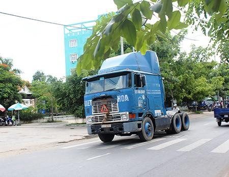 Xe ben, xe bồn, container ngang nhiên đi vào đường cấm - ảnh 6