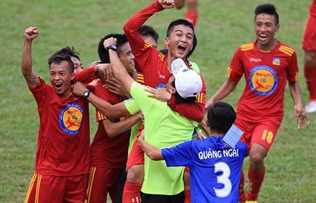VCK bóng đá U-17: Quảng Ngãi và Viettel vào bán kết - ảnh 1