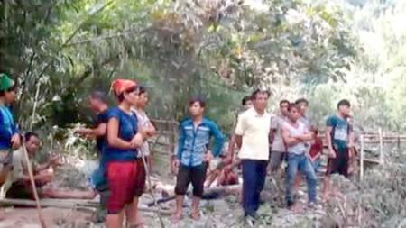 Hàng chục công an bám trụ núi, rừng điều tra vụ sát hại 4 người - ảnh 2